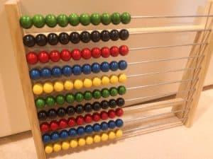 【1歳~3歳おすすめ幼児教材】100玉そろばんと公文磁石すうじ盤100の評価